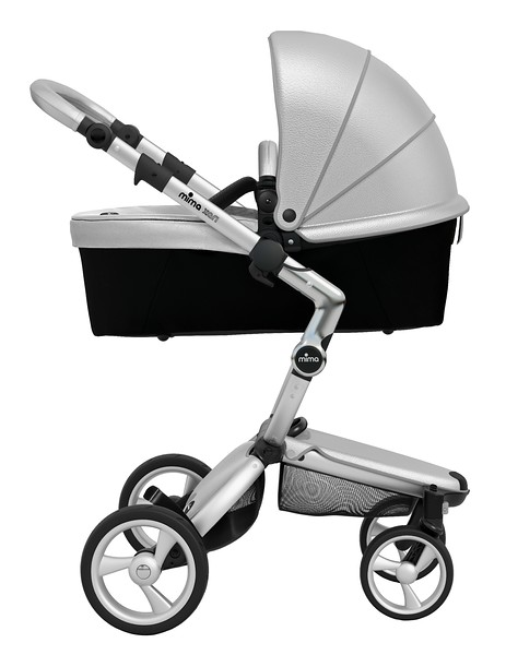 Mima_Xari_Product_Shot_Argento_Aluminium_Chassis_Black_Carrycot_Side_View.jpg