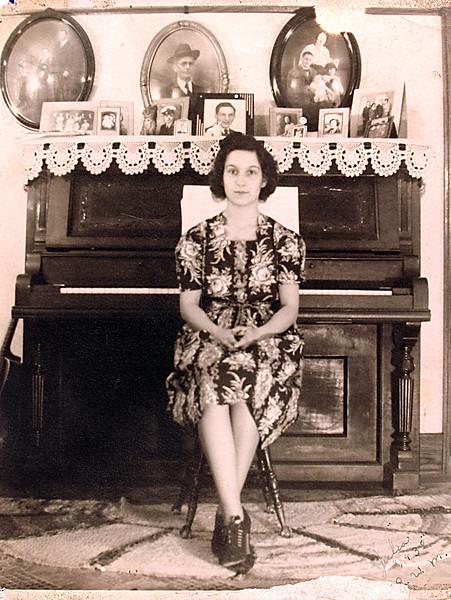 Aunt Julia 22.JPG