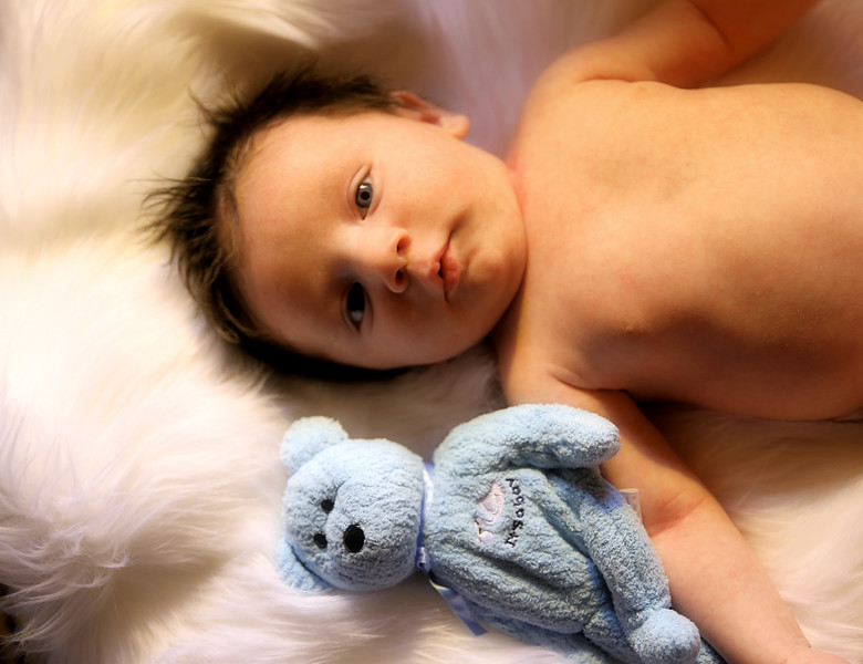 IMG_3025 Medel Newborn.jpg