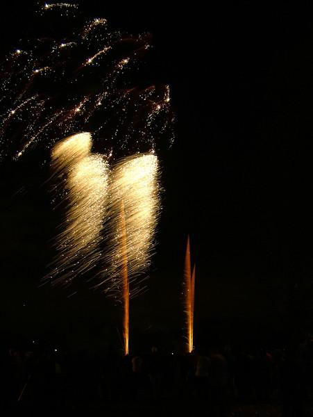 2005_1028tootingfireworks026_edited-1.JPG