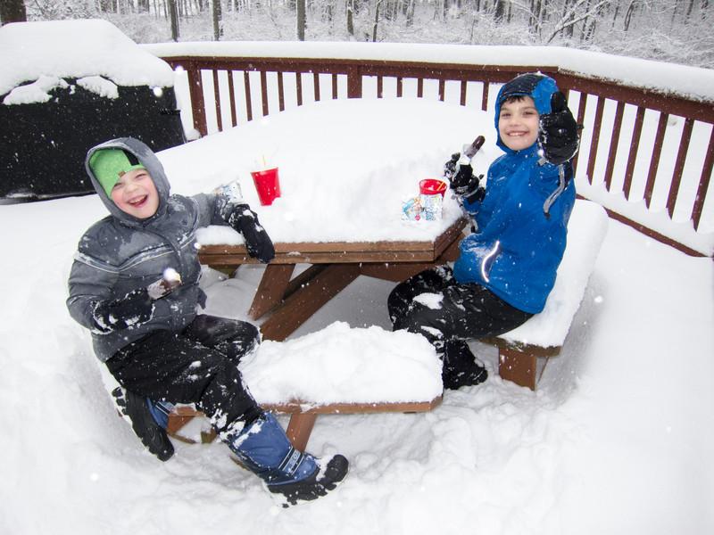 20150305_boys_snow_2215-Edit.jpg