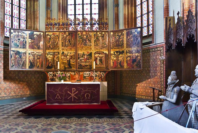 Güstrow, Dom. Flügelaltar im Chor, Passionsseite (H. Bornemann ?, um 1500)