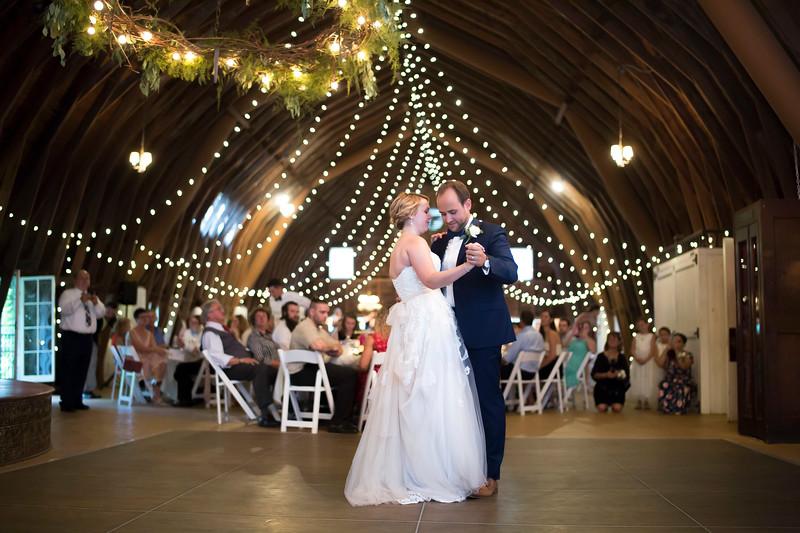 Garrett & Lisa Wedding (571).jpg