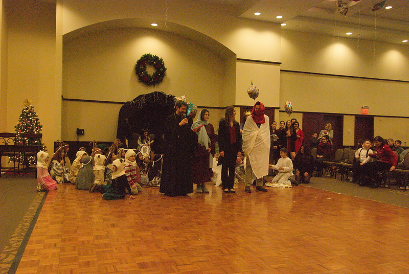 2016-12-18-Christmas-Pageant_258.jpg