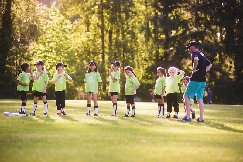 © JLS Photographywww.jlsphotography.cafacebook.com/jlsphotography.ca instagram.com/jlsphotography.ca