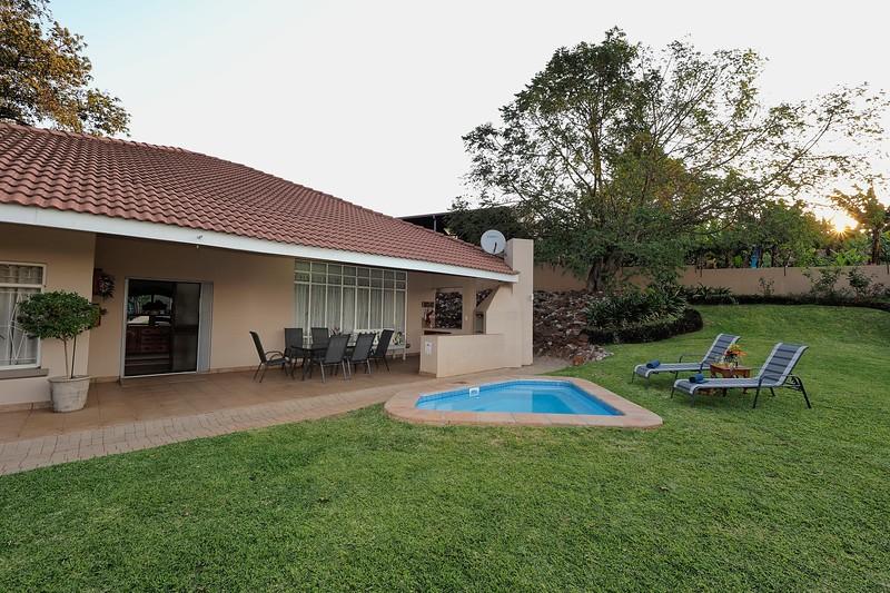 Poinsettia Cottages 035.jpg