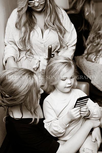 Hillary_Ferguson_Photography_Melinda+Derek_Getting_Ready127.jpg