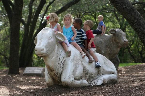Amy's Ice Cream & Cow Climbing Play Date - June 23, 2008