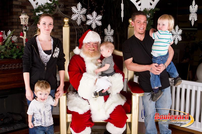 Santa Dec 8-147.jpg