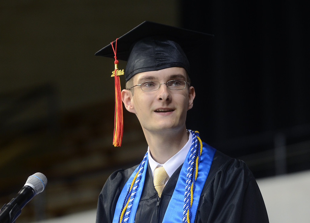 . Penncrest High School commencement keynote speaker Thomas Potter thanks his parents at the beginning of his speech. (Times Staff / JULIA WILKINSON )
