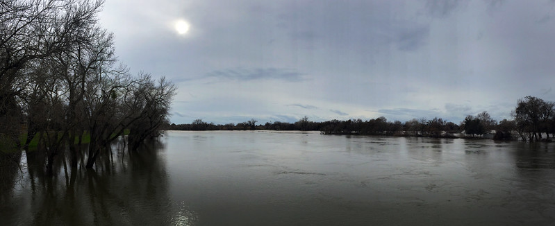 river pano.jpg
