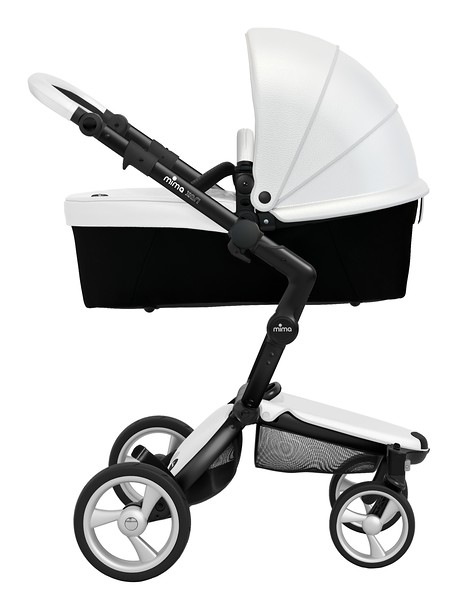 Mima_Xari_Product_Shot_Snow_White_Black_Chassis_Black_Carrycot_Side_View.jpg