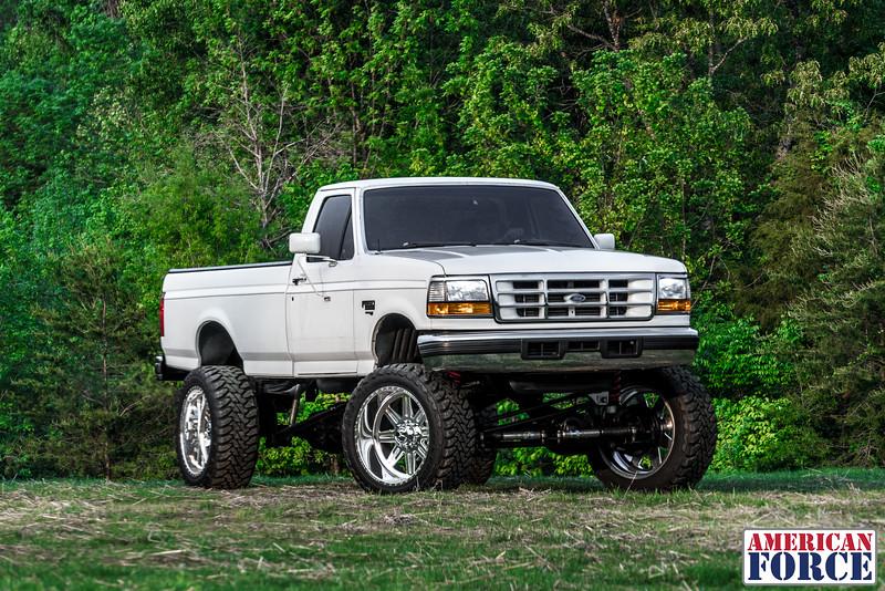 SDP-Kreg-O'Hara-White-1997-Ford-F250-24x12-Legend-@streetdieselperformance-170429-DSC05997-65.jpg