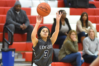 Lorain bounces Elyria in sectionals