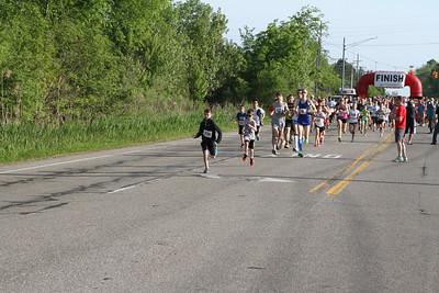 5K Start - 2014 Novi Memorial Day Run