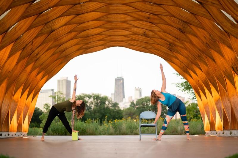 Online Yoga - Lincoln Park Shoot-38.JPG