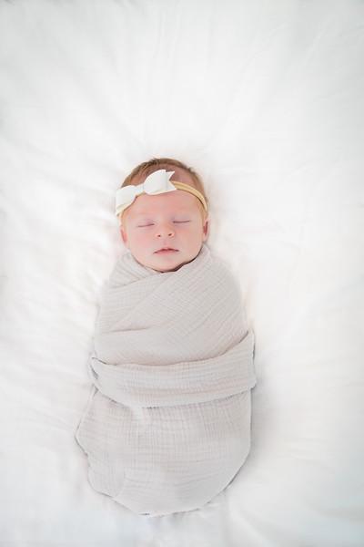 180828-Emilia_Newborn_2-55.jpg