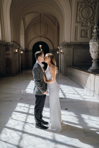 2018-10-04_ROEDER_EdMeredith_SFcityhall_Wedding_CARD1_0139.jpg