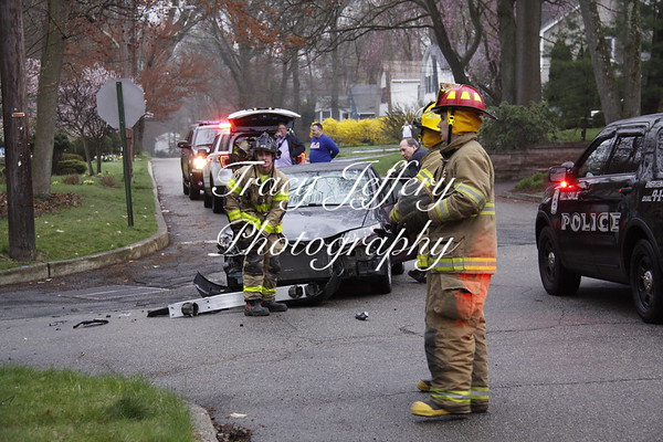 HFD car accident Beech St. and Maple Ave. 4/27/18
