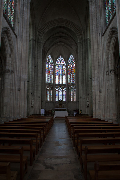 Troyes - Saint-Urbain - Center Aisle