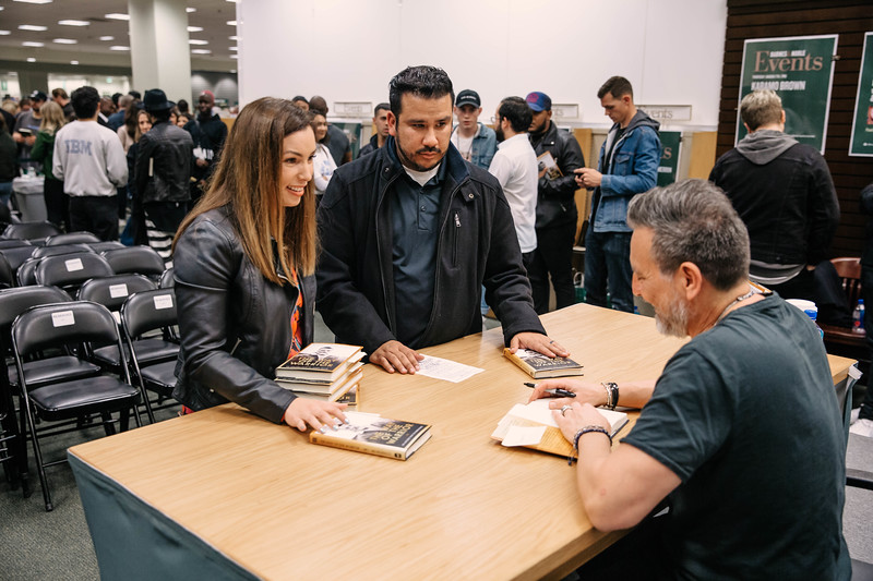 2019_2_28_TWOTW_BookSigning_SP_417.jpg