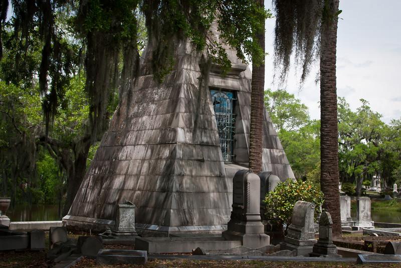 Charleston 201304 Magnolia Cemetery (11).jpg