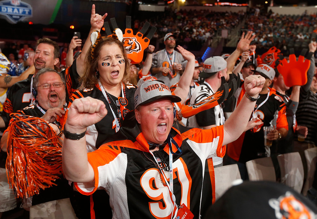 . Cincinnati fans cheer during the first round of the NFL football draft, Thursday, April 26, 2018, in Arlington, Texas. (AP Photo/Michael Ainsworth)