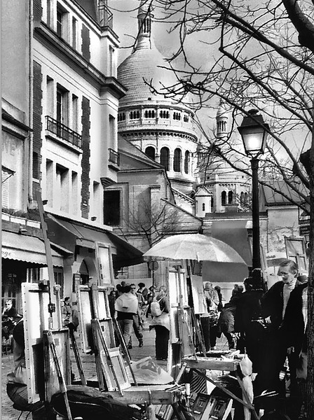 Montmartre art district in France.jpg