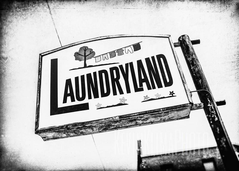 laundrylandbw-5x7OG.jpg
