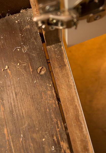 Cabinets broken cabinet-3.JPG