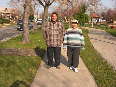 2009-11-21 Jun Ester & Uncle Danny in Chicago