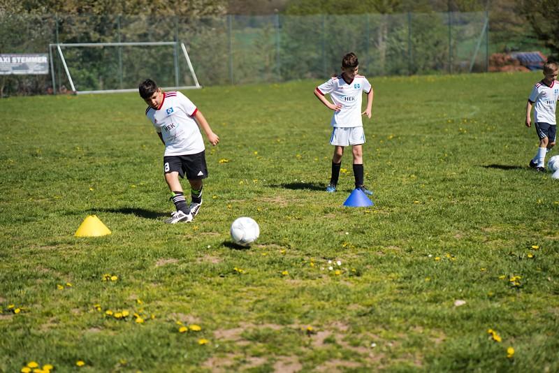hsv-fussballschule---wochendendcamp-hannm-am-22-und-23042019-w-71_47677906802_o.jpg