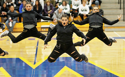 20171217 - Warren Dance and Cheer Invite (hrb)