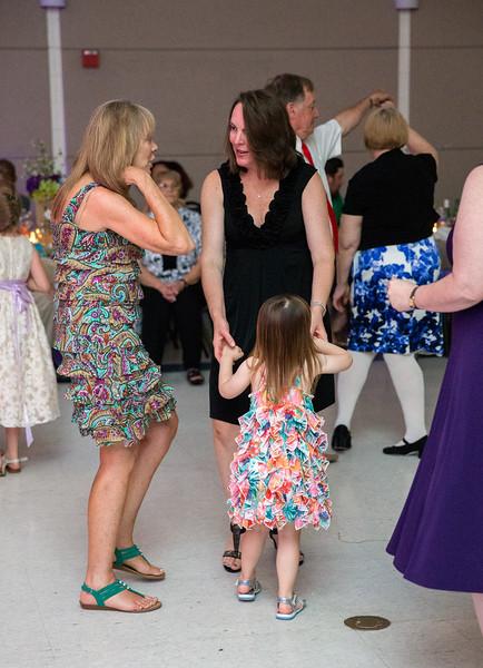 Guests dancing 7.jpg