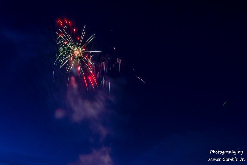 Fourth-of-July-Fireworks-2016-0320.jpg