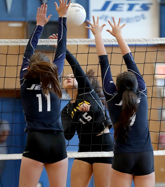 Alameda High vs. Encinal High Girl's Volleyball
