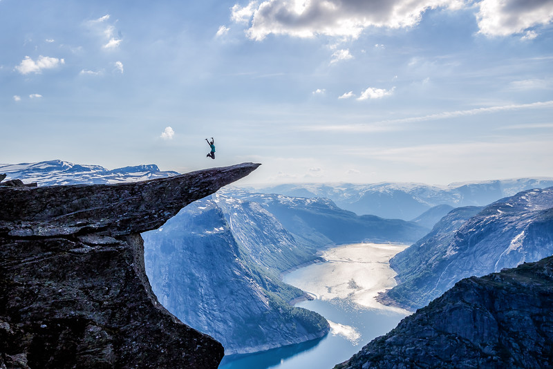 Trolltunga hike Norway - Lina Stock