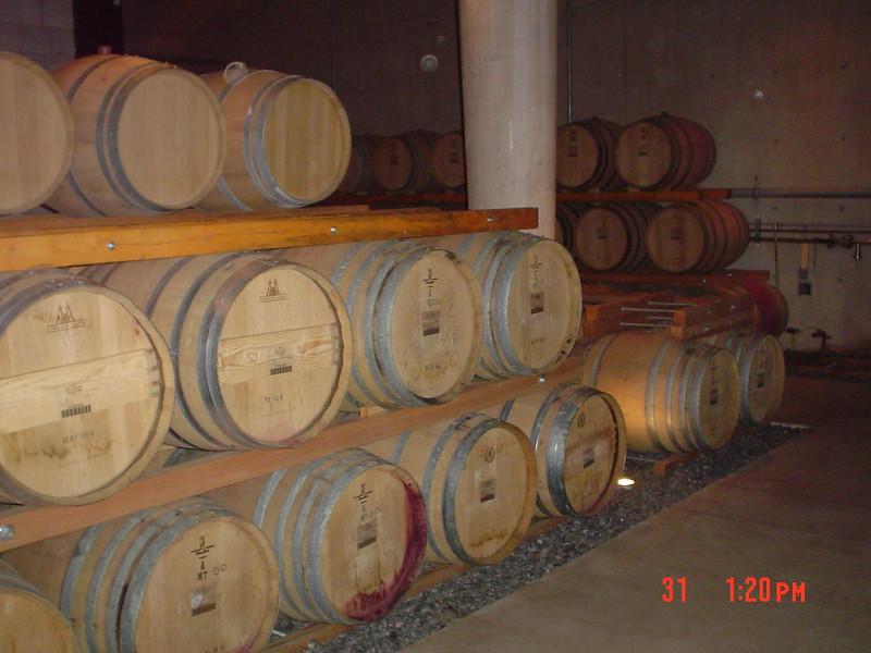 barrels-of-wine_1808142117_o.jpg