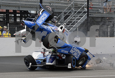 sato-holds-off-helio-for-indy-500-win