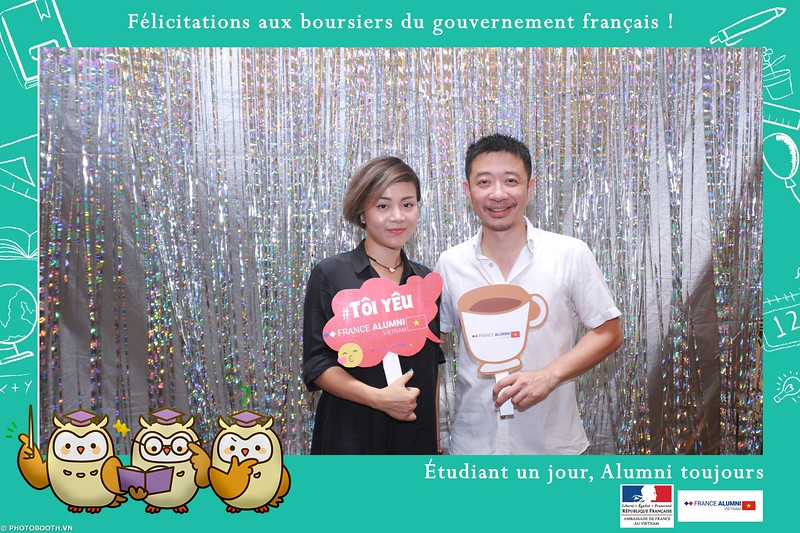 France-Alumni-Vietnam-photobooth-at-Franch-Embassy-Vietnam-photobooth-hanoi-in-hinh-lay-ngay-Su-kien-Lanh-su-quan-Phap-WefieBox-photobooth-vietnam-019.jpg