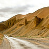 the road from sarchu to leh