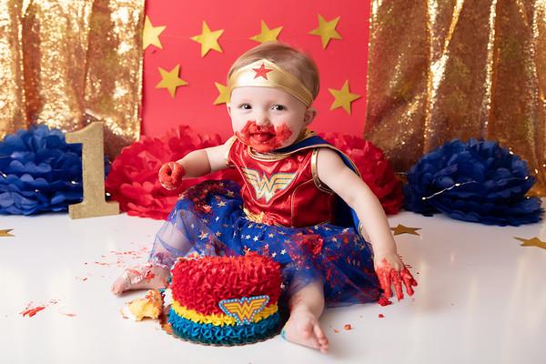 S's Wonder Woman Cake Smash