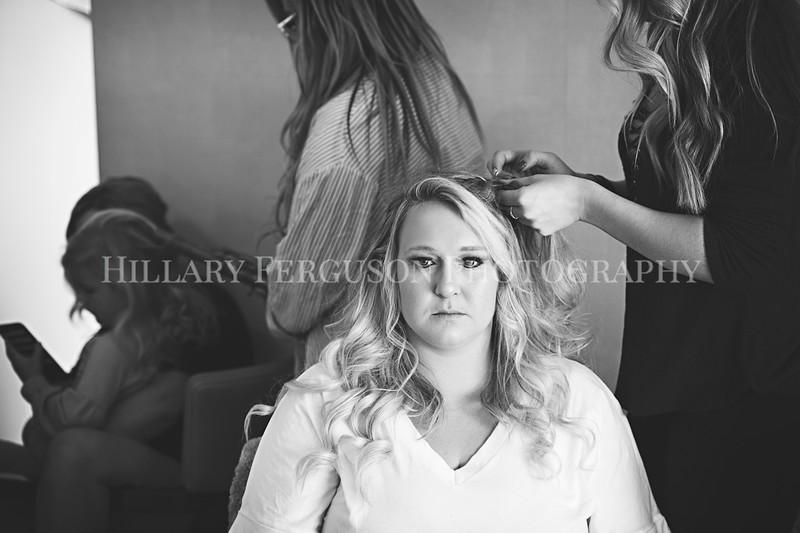 Hillary_Ferguson_Photography_Melinda+Derek_Getting_Ready128.jpg