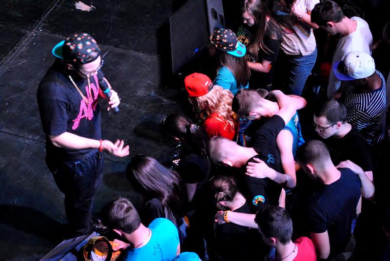 Crowd (6).JPG