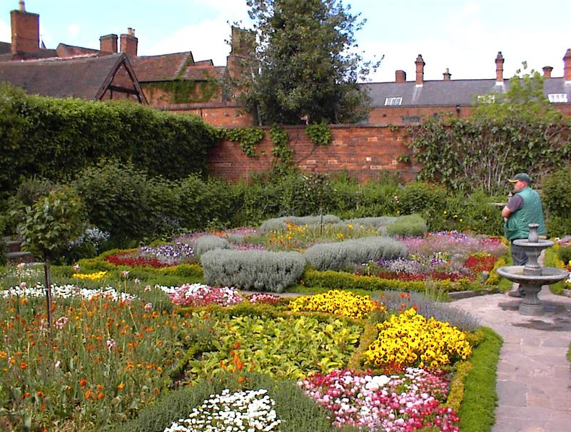 The gardens of New Place, Stratford-upon-Avon