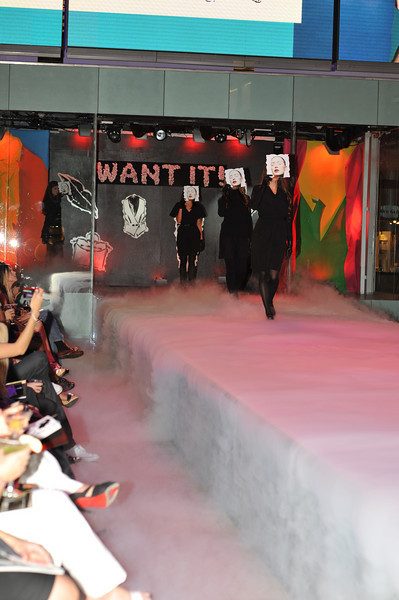 High quality photo gallery of Saks Fashion Show Party with Vegas Magazine at Fashion Show Mall in Las Vegas. ISVodka was proud to be the spirits sponsor serving 3 kinds of martinis keeping everyone coming back for more!