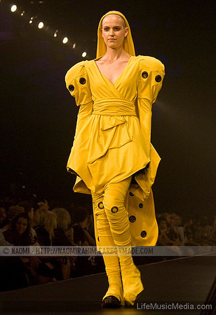 2010 L'ORÉAL MELBOURNE FASHION FESTIVAL - Independent Runway