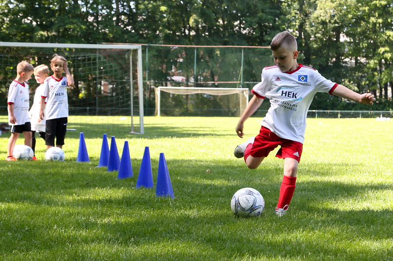 hsv_fussballschule-168_48047991713_o.jpg