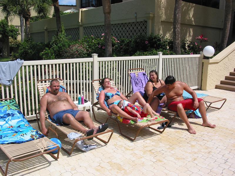 02 03 30 Tortuga Pool Kids