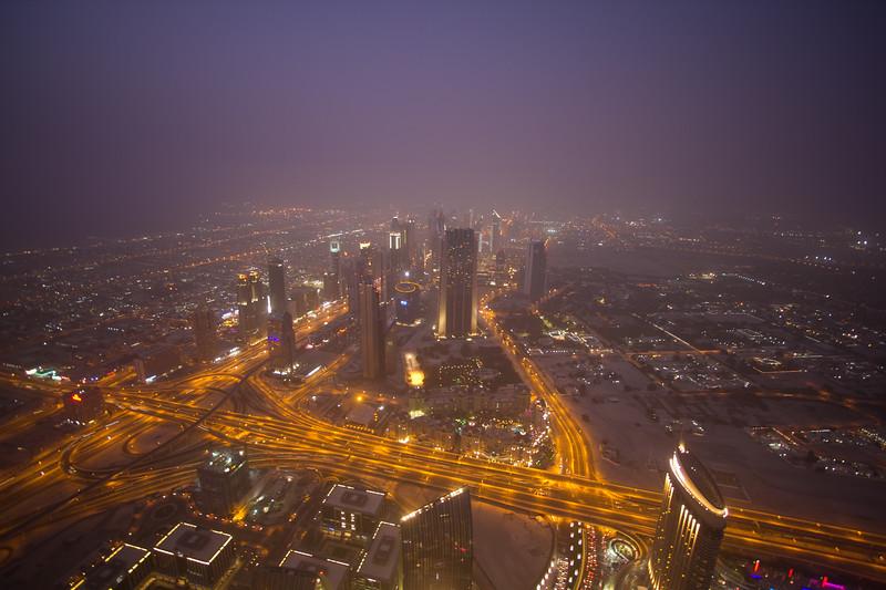 Genevieve_Hathaway_Dubai,_night_sandstorm_Burj Khalifa.jpg